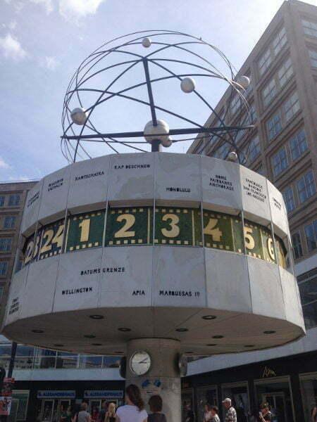 Germania - Berlin - Alexanderplatz - Urania Weltzeituhr