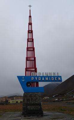 Svalbard islands - arrive in Pyramiden