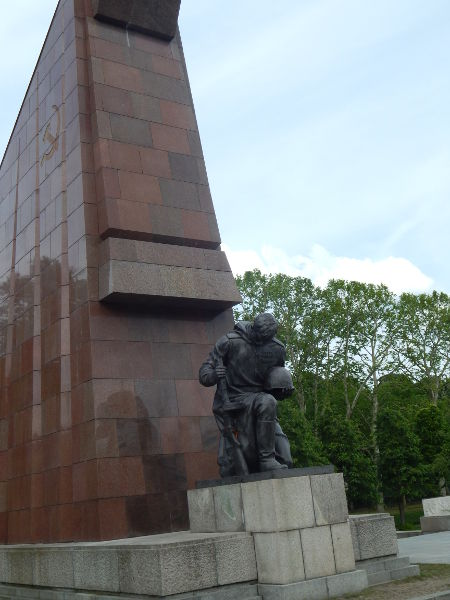 Treptower Park-soldier-Berlin