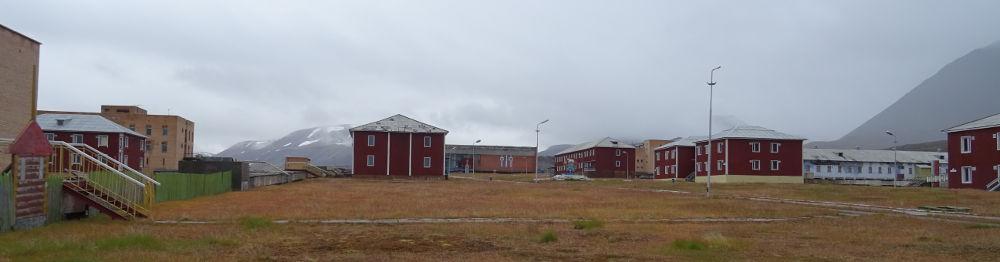 centro-Pyramida-Svalbard