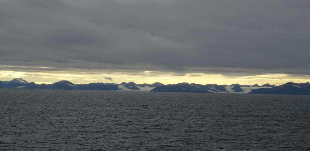 Svalbard Islands - Pyramiden - mountains