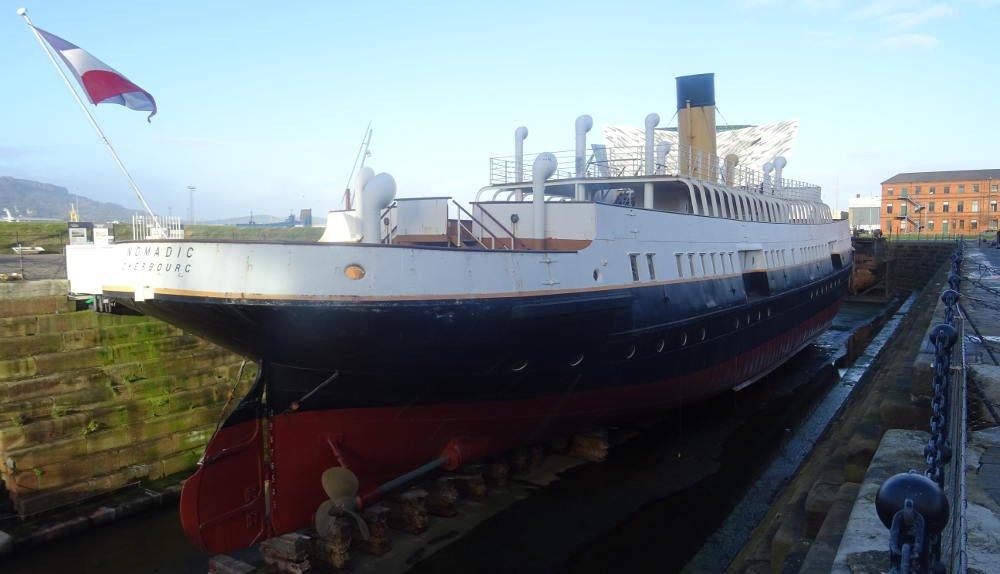 Irlanda - Belfast - Nomadic ship