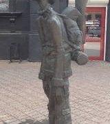 Russia - Irkutsk - backpacker statue