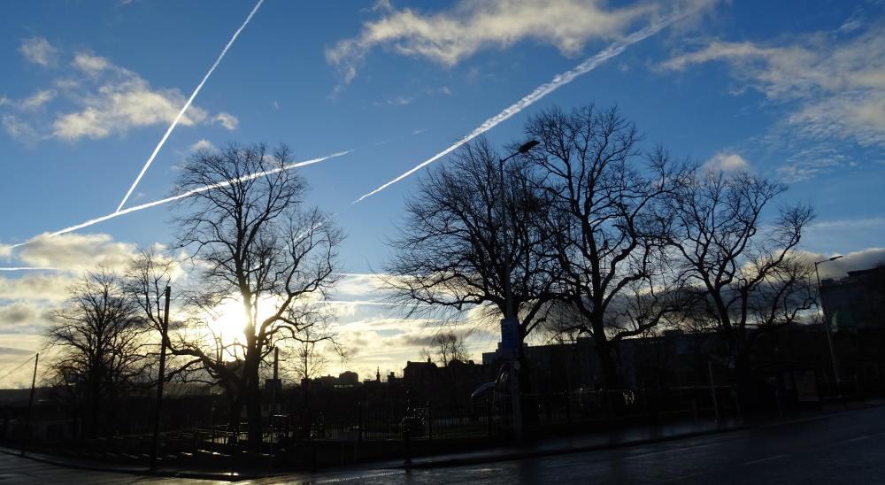 Belfast-cielo-scie-aerei