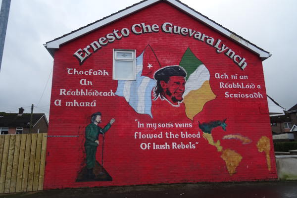 Derry-Bogside-murales-Che