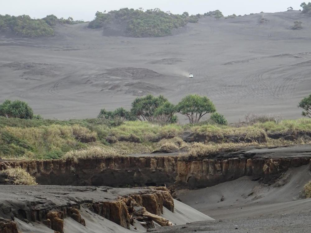 Vanuatu - Tanna Island - Volcano Mont Yasur