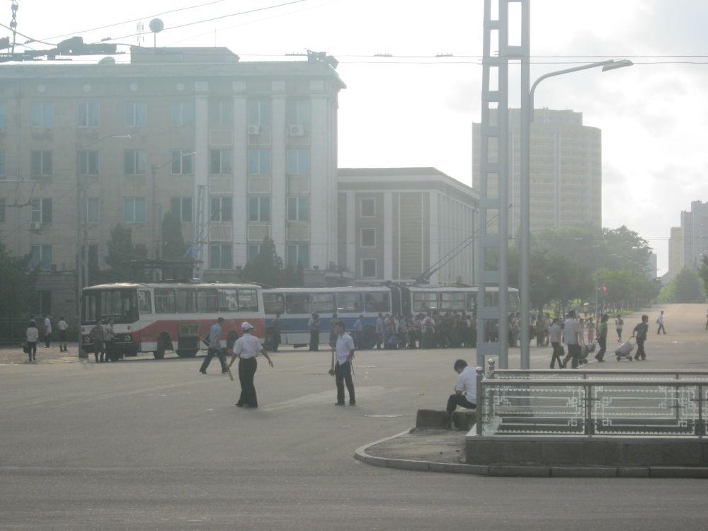Korea del Nord DPKR - Pyongyang - autobus