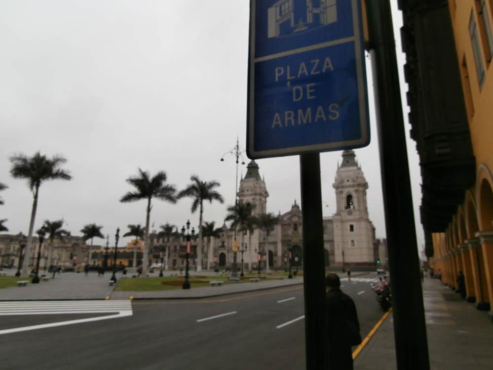 Peru-Lima-Plaza-de-Armas