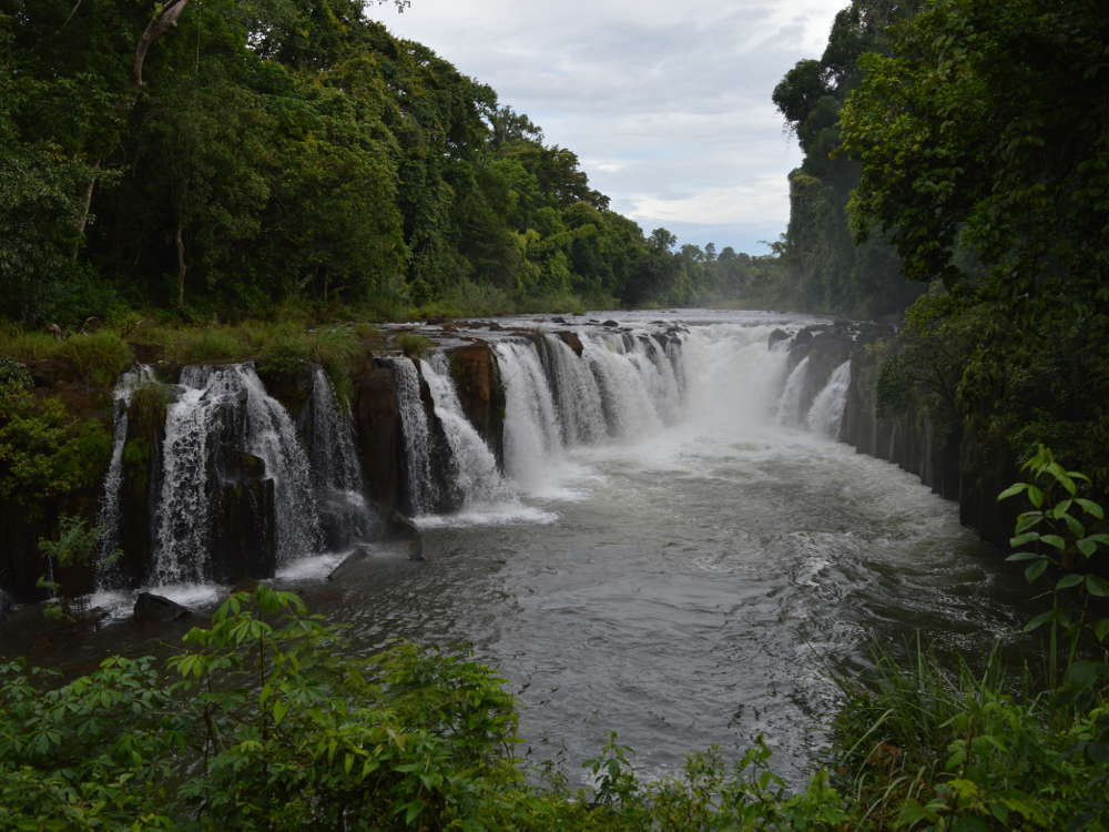 Laos - Pakse - Waterfalls Tad Paxuam