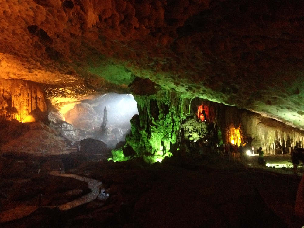 "Vietnam - Ha Long Bay - Thien Cung cave ""dark and lights"""