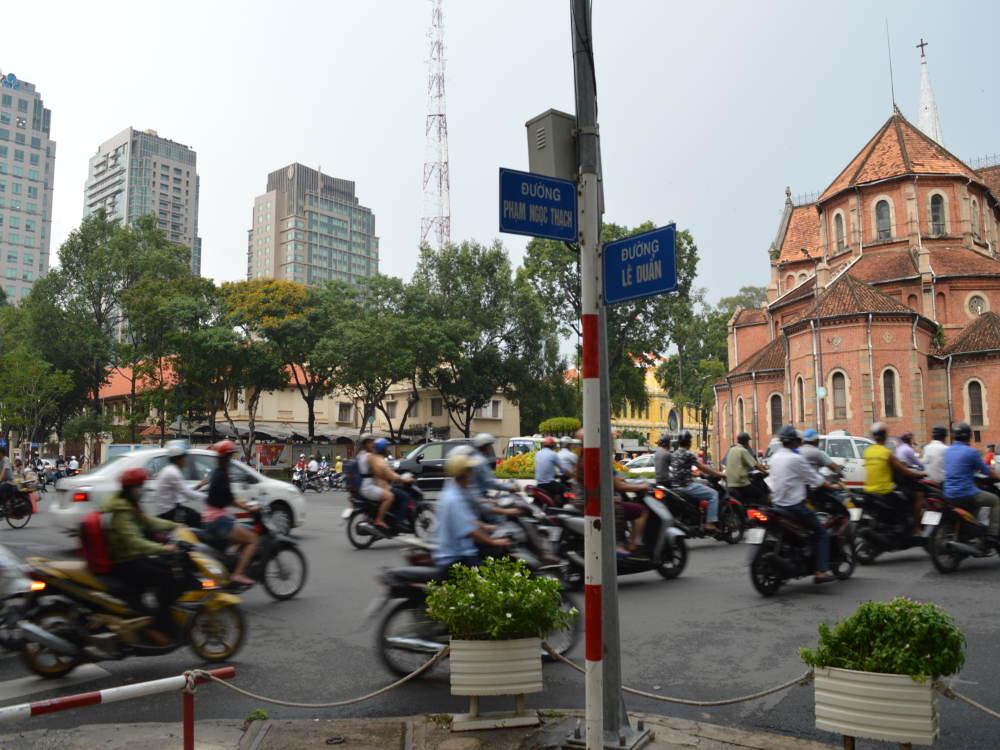 Vietnam - Ciudad Ho Chi Minh HCMC Saigon - Basílica Notre Dame retro
