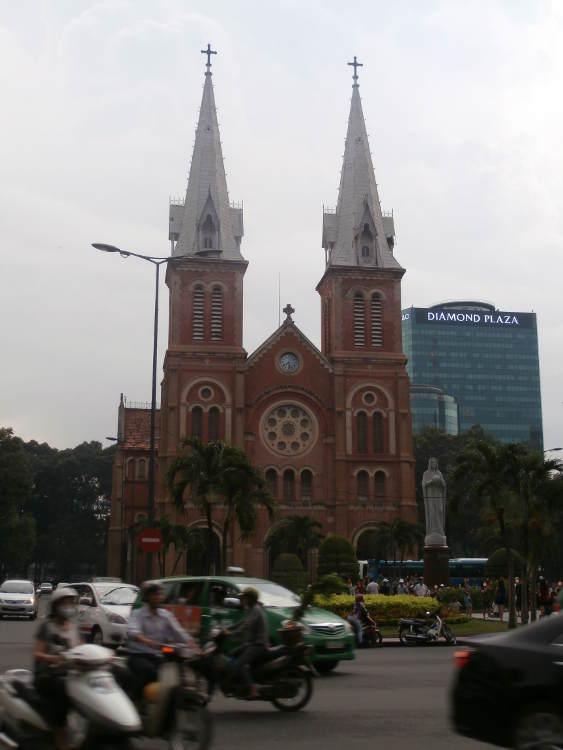 Vietnam - Ciudad Ho Chi Minh HCMC Saigon - Basílica Notre Dame
