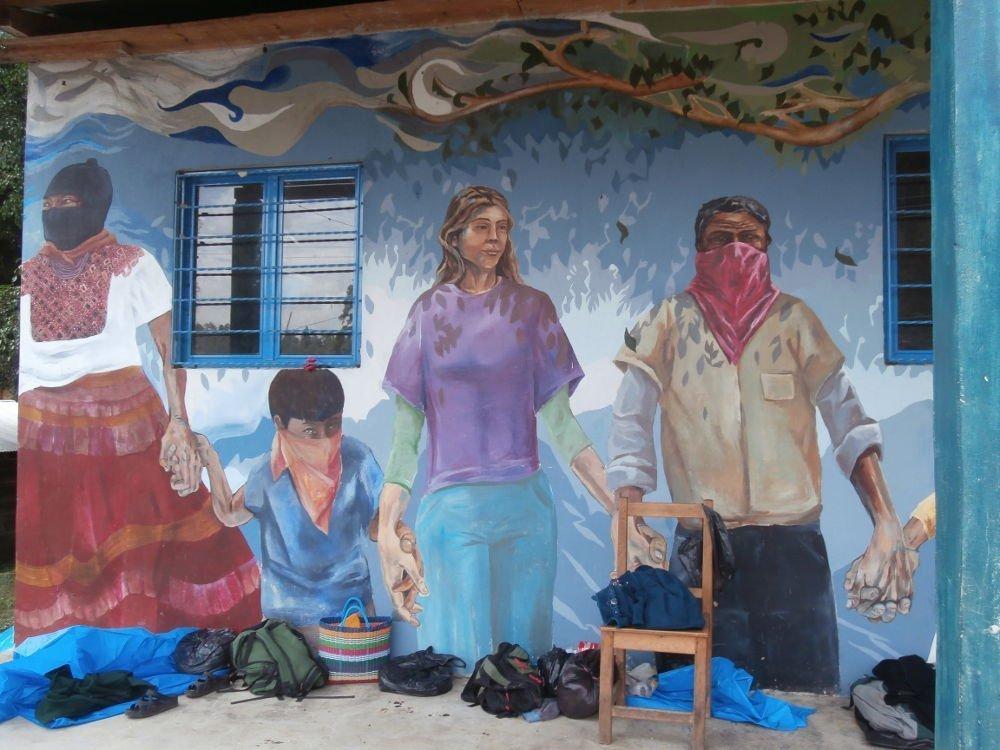 EZLN - Caracol Morelia - murales