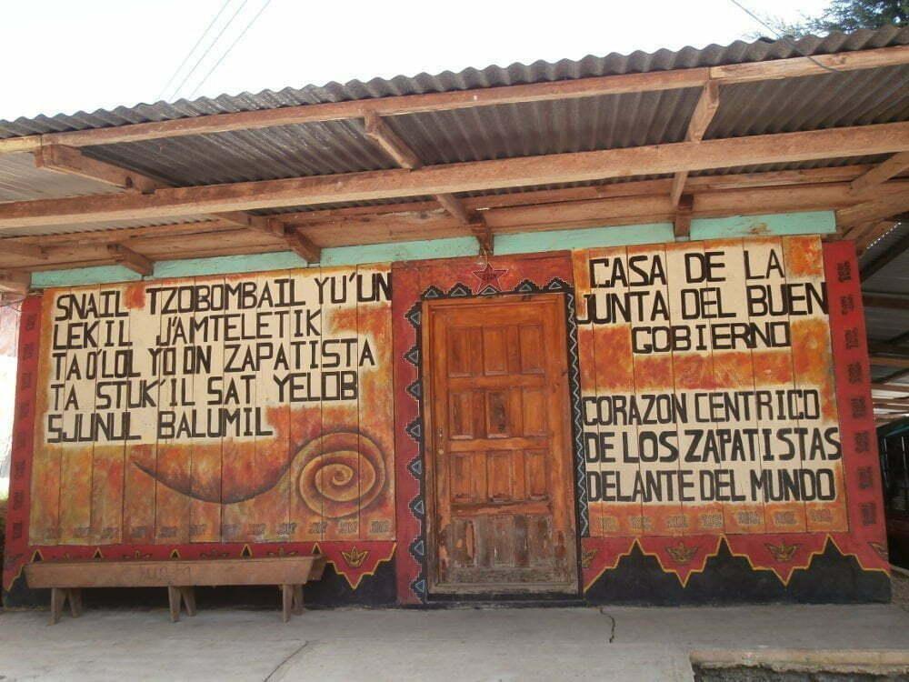 EZLN - Caracol Oventik - Casa della Giunta del Buon Governo