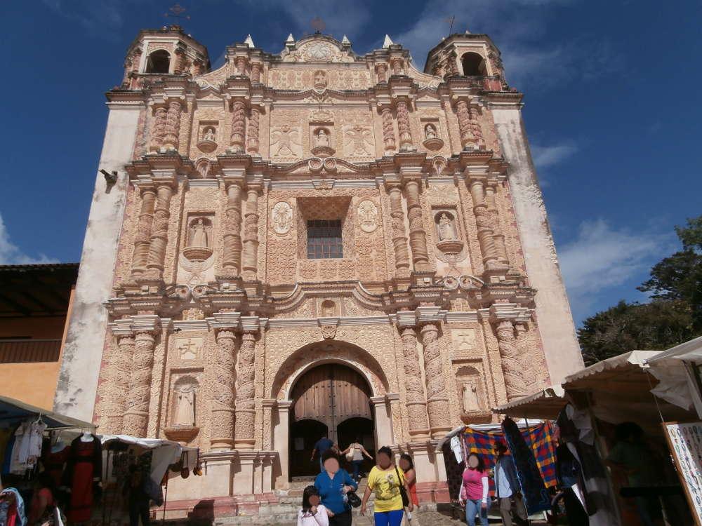 Mexico-San-Cristobal-de-las-Casas-Templo-de-Santo-Domingo