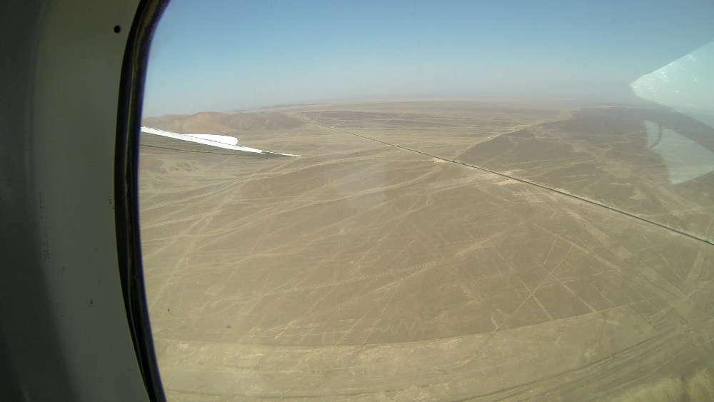 Peru - Linee di Nazca - Airone Fenicottero Alcatraz dall'aereo
