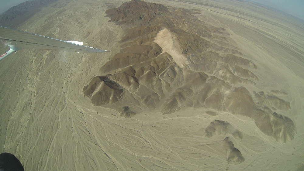Peru - Linee di Nazca - astronauta dall'aereo