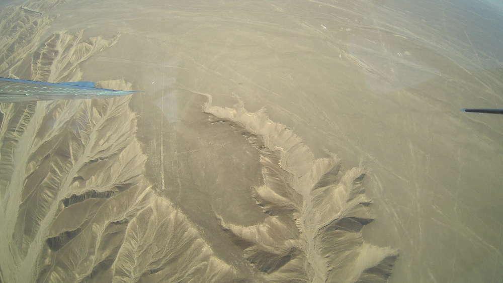 Peru - Linee di Nazca - colibrì dall'aereo