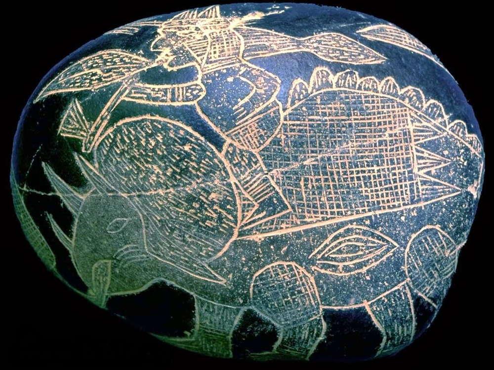 Peru - Pietre di Ica - uomo su triceratopo