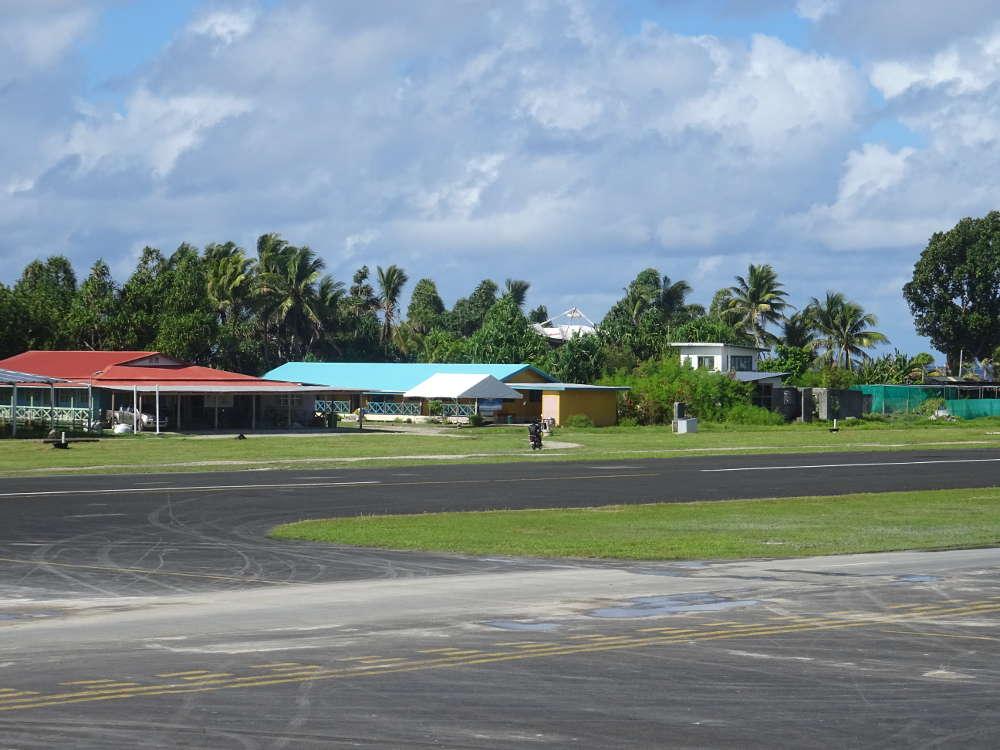 Tuvalu - case nell'Aeroporto Funafuti FUN
